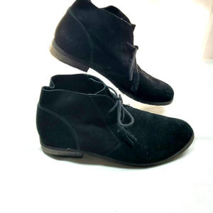 Bjorndal Woman's Fall Suede Shoes 9.5